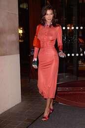 dress,model,fashion week,celebrity,bella hadid,midi dress,sandals