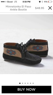 shoes,black moccasins,minnetonka
