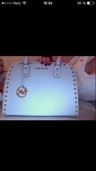 bag white bag mk michael kors studded swag swag girl winter swag tumblr tumblr girl tumblr fashion hipster hipster style germany supreme dope dope as f*** clothes blonde hair pretty badass pale division pale