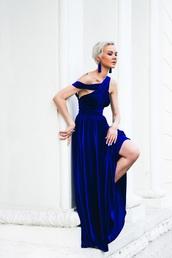gvozdishe,blogger,dress,jewels,shoes,velvet dress,velvet,blue dress,royal blue dress,maxi dress,tassel,statement earrings,earrings,prom dress,gown,party dress,cocktail dress,all blue