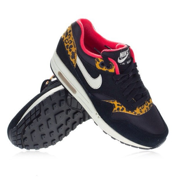 shoes panther pink black nike wheretoget