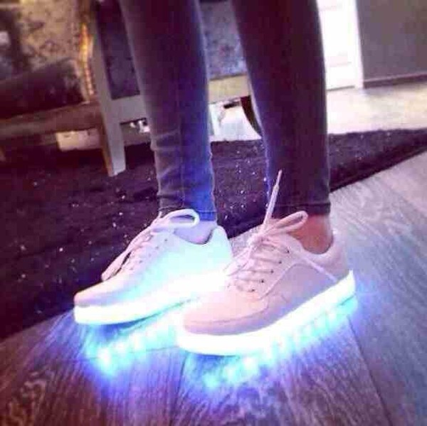 shoes jeans simulation by yifang wan and samuel yang led white and usb white shoes heels fashion light sneakers shiny shoes light up shiny trainers luminous luminous shoes led shoes