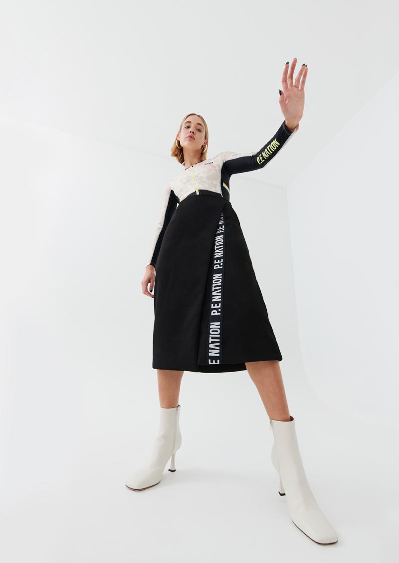 Routine Skirt In Black