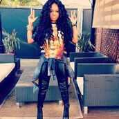 shirt,jewelry,leggings,denim jacket,high heels,jewels,pants,fashion,luxury,curly hair,gold,egyptian,leather,black