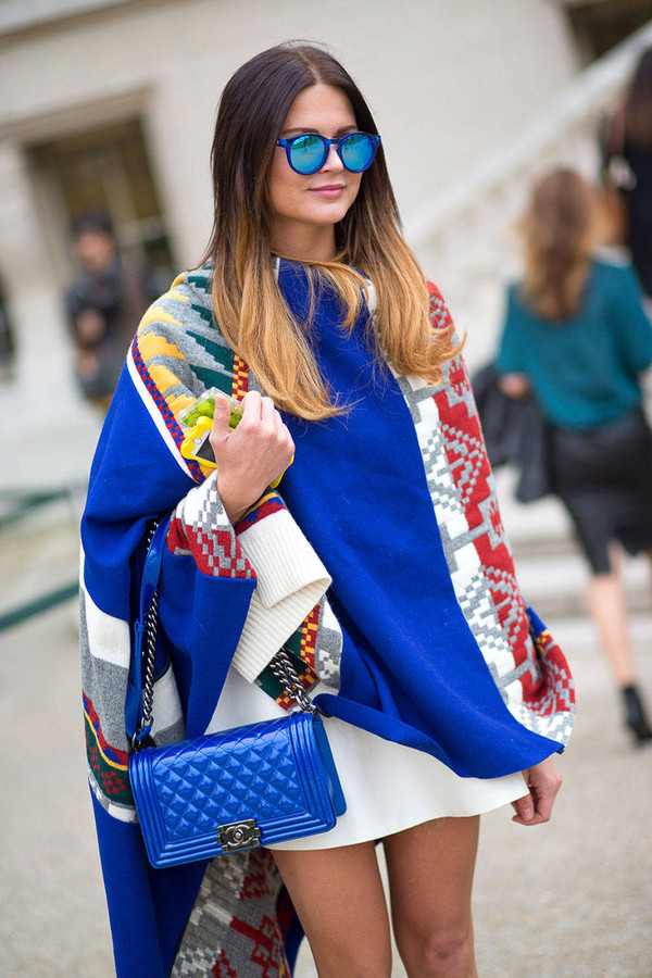 coat poncho fashion week 2014 streetstyle mirrored sunglasses sunglasses scarf phone cover cardigan blue