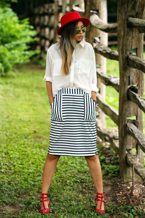 queen horsfall blogger blouse