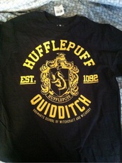 hufflepuff,harry potter,quidditch,potterhead,slytherin,ravenclaw,gryffindor,t-shirt