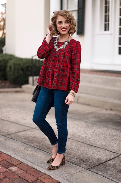 something delightful blogger top jewels shoes bag cardigan leggings red top skinny jeans pumps fall outfits