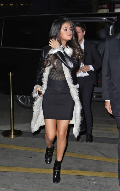 dress coat selena gomez