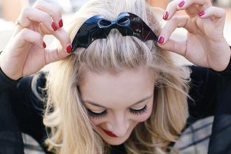 hair accessory batman hair clip blonde hair red nails