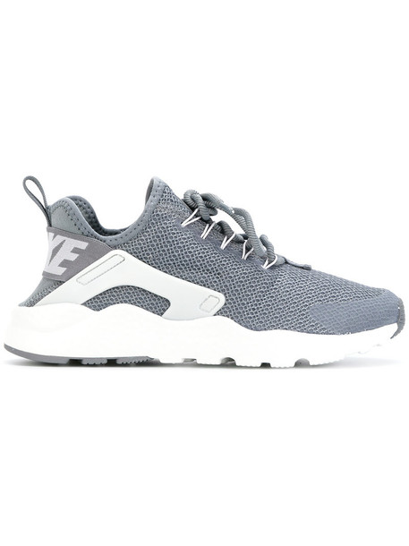 Nike women run sneakers grey shoes