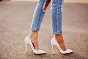 shoes,white,pearl,studs,heels,high heels,jeans,pumps,trendy