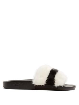 fur black shoes