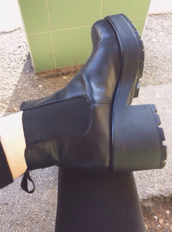 shoes style black boots