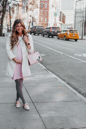 mint arrow,blogger,coat,dress,tights,shoes,bag,maternity,maternity dress,winter outfits
