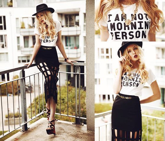 I Am not A Morning Person T Shirt BLOGGER Favourite Mens Womens Top   eBay