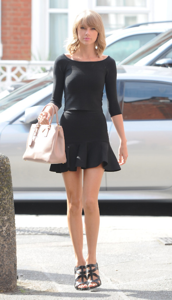 skirt top taylor swift black sandals bag