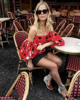 miniskirt shoes sunglasses black sunglasses skirt