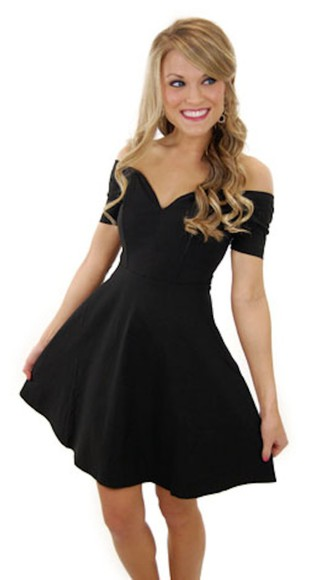 formal flowy homecoming dress sweetheart dresses little black dress off shoulder dress formal dress dress clothes simple pretty dress off both shoulders sweetheart lovely dress little black dress hot i need it for homecoming homecoming dress off the shoulder sweet heart neckline please help. please save my life