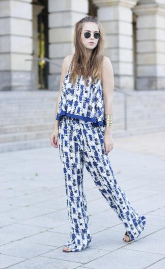 gold schnee blogger printed pants boho pants round sunglasses long hair pattern jumpsuit pepe jeans cuff bracelet