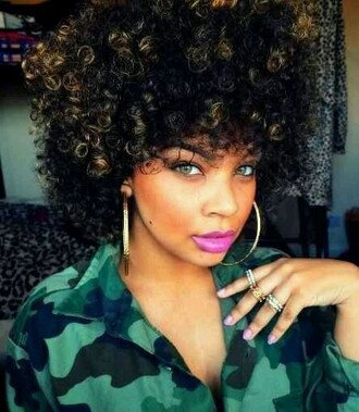 shirt black girls killin it curly hair ring earrings make-up