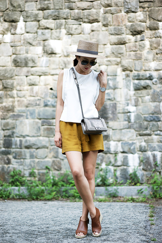 her imajination blogger top shorts sunglasses jewels bag hat shoes
