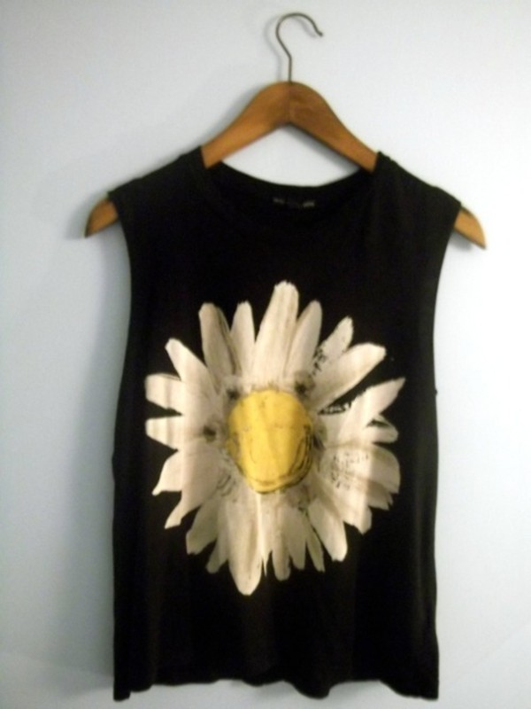 tank top daisy flowers shirt petals top black muscle tee cut offs white yellow hipster dainty sunflower clothes