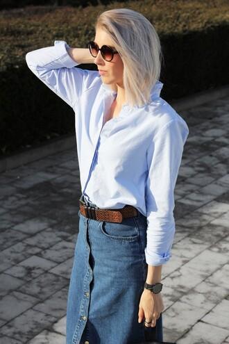 my dubio blogger belt denim skirt shirt round sunglasses