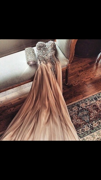 dress nude dress beige dress bedazzled dress beautiful beautiful ball gowns pretty jewels prom dress long prom dress prom gown sleeveless dress style clutch bedazzled graduation dress cool elegant dress perfecto