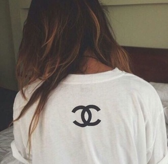 t-shirt chanel top sweater love white hot chanel t-shirt style instagram