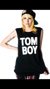 shirt,tomboy,black,tank top,snapback,summer