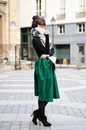 meet me in paree,blogger,midi skirt,green skirt,blanket scarf,skirt,top,shoes,bag,sunglasses