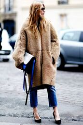 coat,tumblr,fuzzy coat,fluffy,camel coat,oversized,bag,jeans,blue jeans,cropped jeans,pumps,pointed toe pumps,high heel pumps,black heels,high heels,winter outfits,winter look,winter coat,streetstyle,camel fluffy coat,teddy bear coat,camel oversized coat