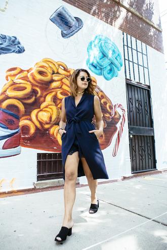 chicityfashion blogger jacket shorts shoes jewels sunglasses