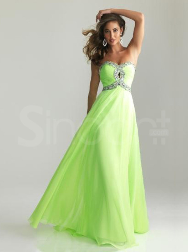 dress made of chiffon and wear for the prom sleeveless