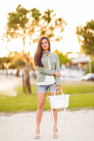 crimenes de la moda blogger jacket t-shirt shorts shoes bag