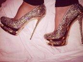gold,shoes,platform shoes,clothers shoes,evelyn lozada shoes,heels,gold shoes,stilettos,evelyn lozada