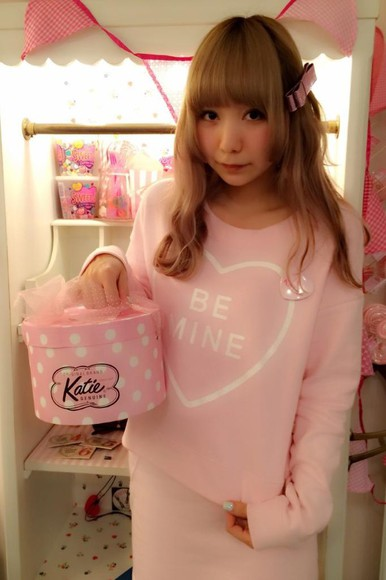 valentine sweater heart be mine candy hearts candy cute kawaii katie japanese japanese streets japanese fashion pastel pink
