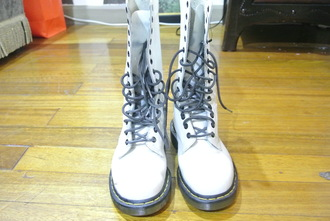 shoes drmartens 1b60 boots us6 drmartens