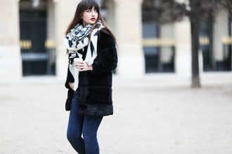 meet me in paree blogger coat jeans sweater shoes bag scarf