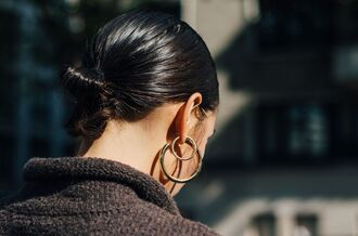 jewels fashion week street style fashion week 2016 fashion week paris fashion week 2016 earrings hoop earrings hairstyles streetstyle tumblr