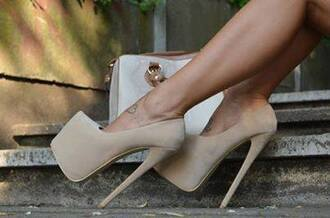 shoes cream color fashio high love thse fashion heels high heels fashion