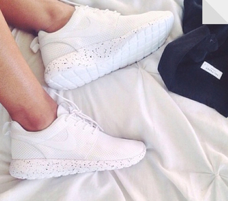 shoes nike nike roshe run white roshes white shoes