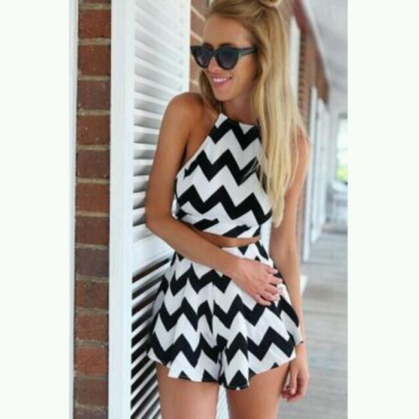 romper chevron black and white two-piece skirt top dress shorts tubetop shirt 2piece dress jumpsuit zigzag zigzag black and white black-and-white black&white  stripes  chevron  two-piece  short  set  skirt great style beautiful sunglasses underwear cute open back fashion style trendy stripes mns mynystyle hipster sunglasses summer girly zigzag pattern