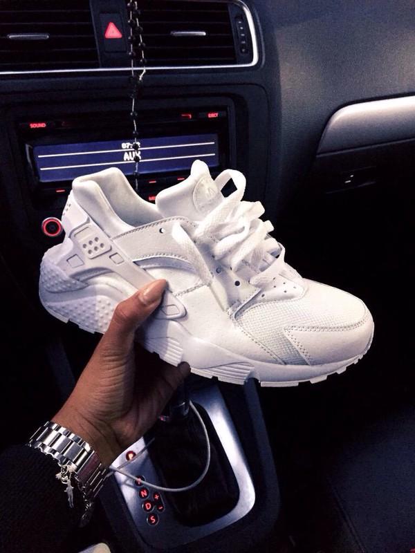nike air huarache capote bianca scarpe adidas springblade drive