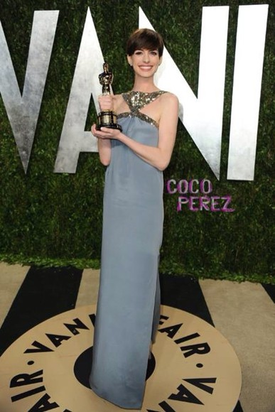 anne hathaway dress vanity fair oscars after party