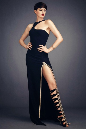 anne hathaway heels strappy black heels