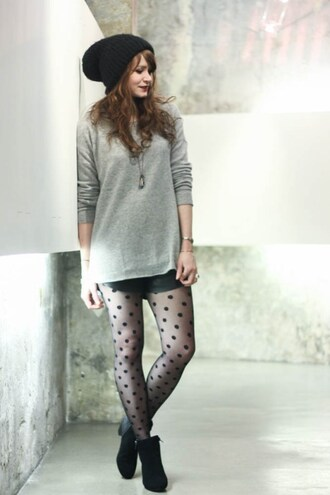 mahayanna blogger polka dots grey sweater tights shorts shoes