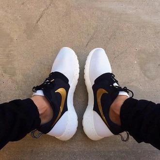 shoes gold nike nike roshe run white detail black detail