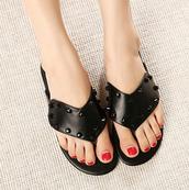 shoes,black,white,beach slippers,flip-flops